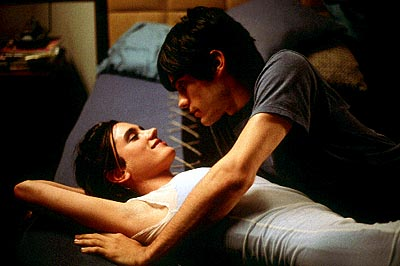 jennifer_connelly_jared_leto_requiem_for_a_dream_001